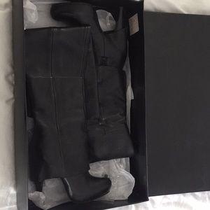 Report Signature Boots sz 8 Black